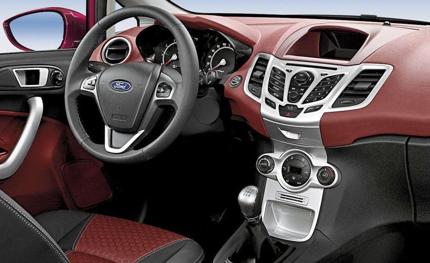 2010 Ford Fiesta 3-door (European spec) - Slide 20