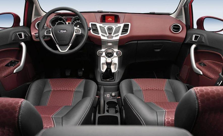 2010 Ford Fiesta 3-door (European spec) - Slide 24