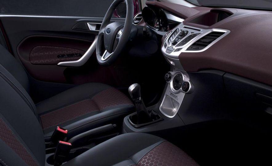 2010 Ford Fiesta 3-door (European spec) - Slide 29
