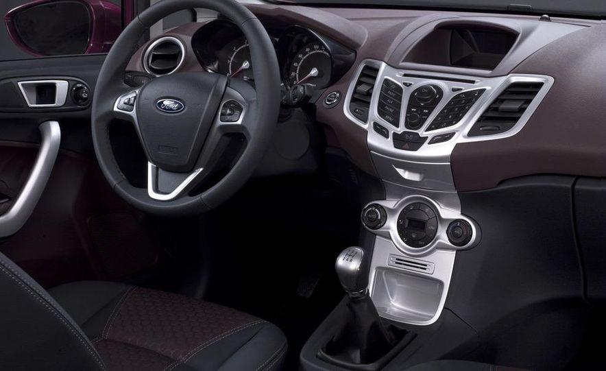 2010 Ford Fiesta 3-door (European spec) - Slide 31
