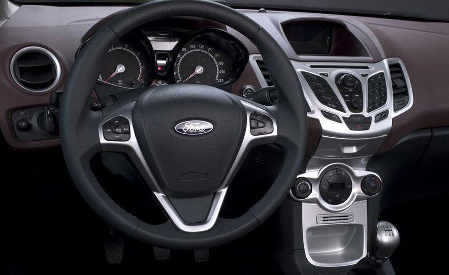 2010 Ford Fiesta 3-door (European spec) - Slide 15