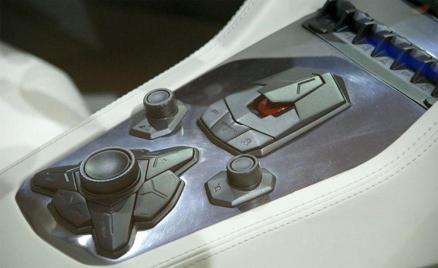 Lamborghini Estoque concept - Slide 39