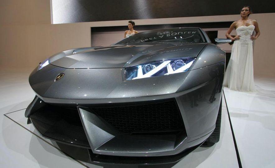 Lamborghini Estoque concept - Slide 16
