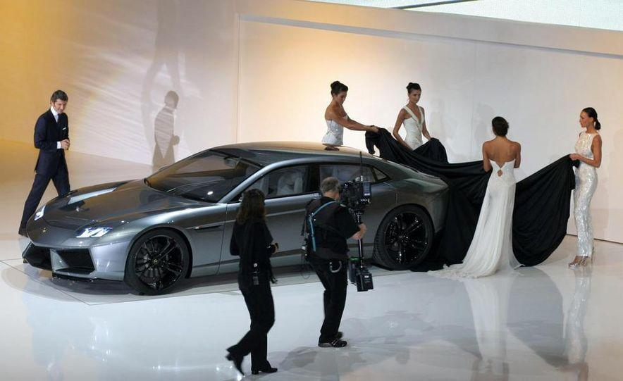 Lamborghini Estoque concept - Slide 18