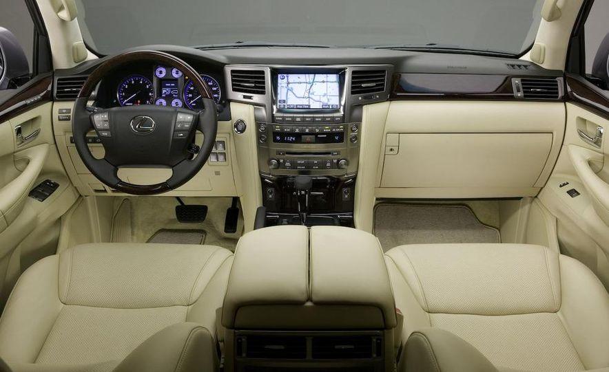 2008 Lexus LX570 - Slide 14