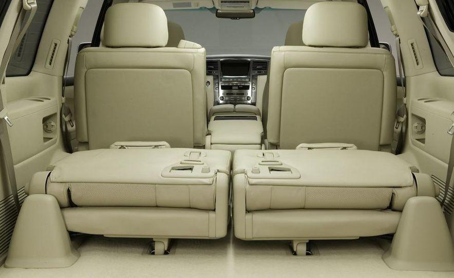 2008 Lexus LX570 - Slide 16