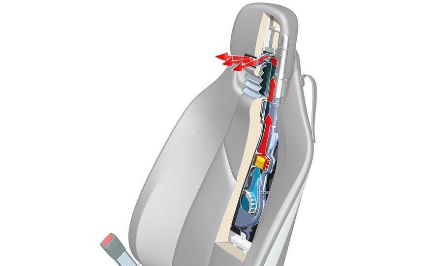 2009 Mercedes-Benz SL63 interior - Slide 2
