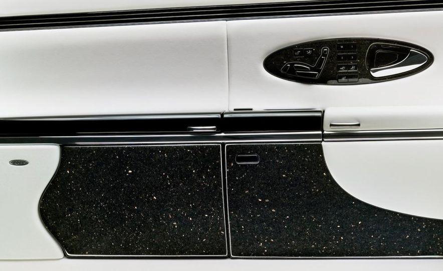 2009 Mercedes-Benz SL63 interior - Slide 8