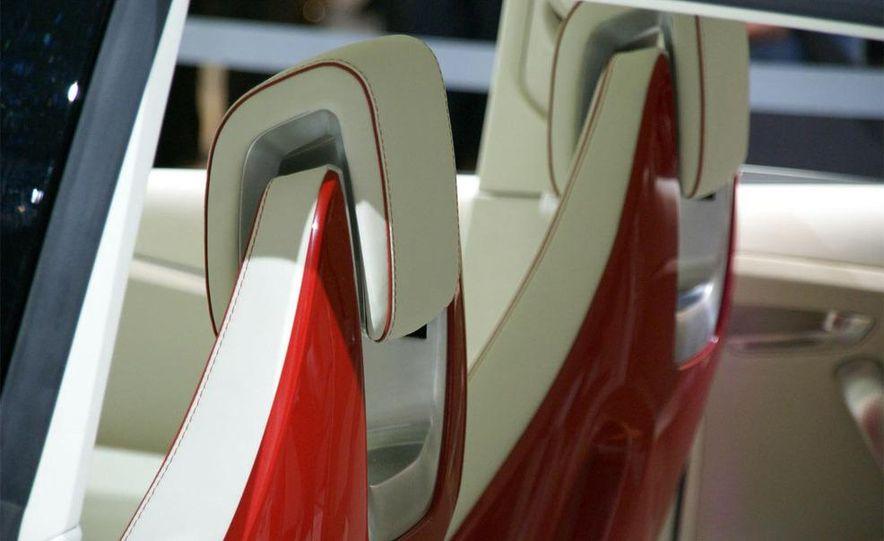 Audi A1 Sportback concept - Slide 16