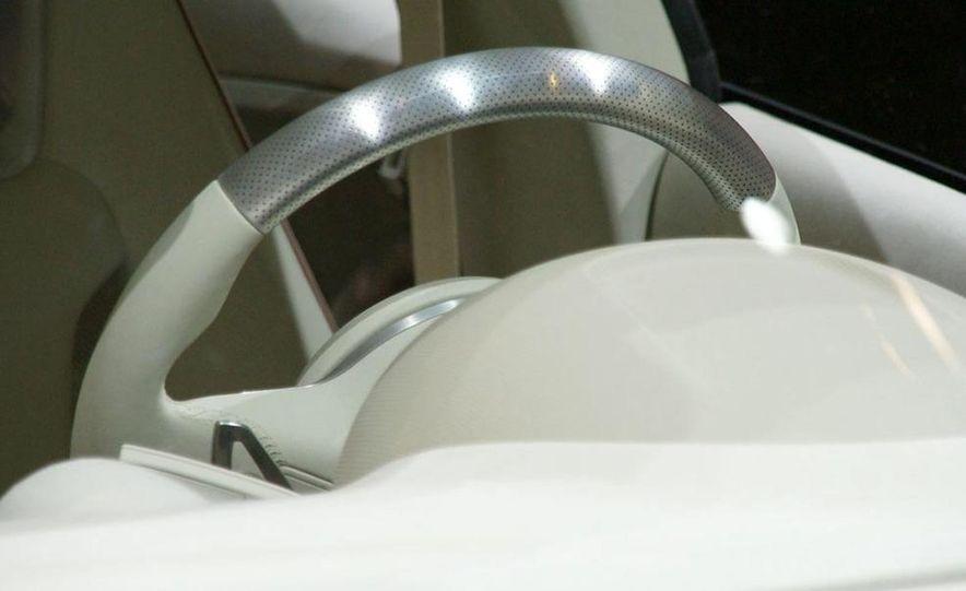 Audi A1 Sportback concept - Slide 15