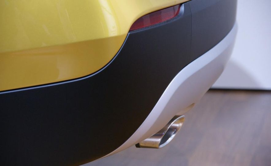 BMW Concept X1 - Slide 8