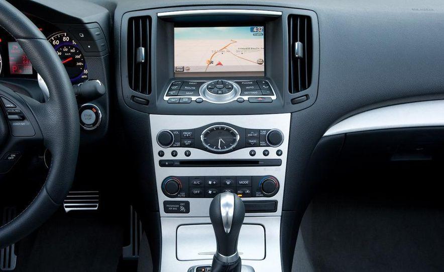 2009 Infiniti G37 Sport sedan - Slide 12