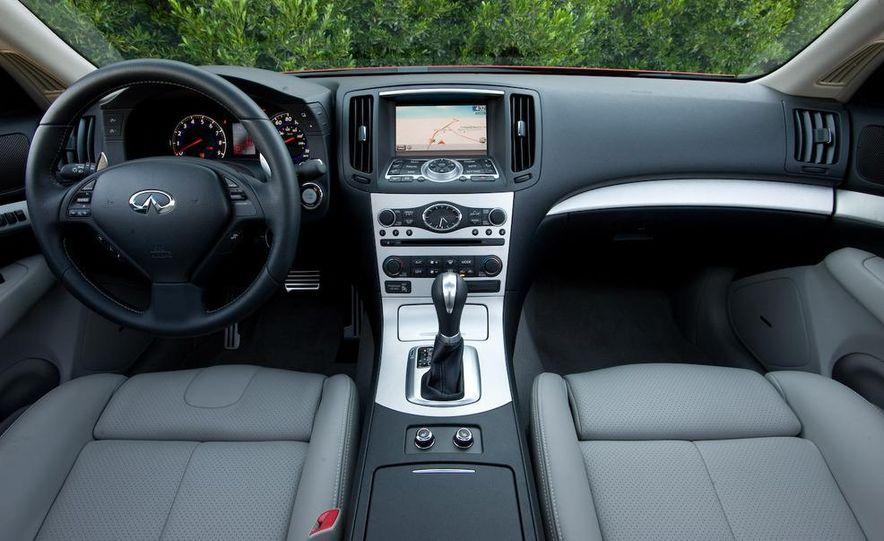 2009 Infiniti G37 Sport sedan - Slide 9
