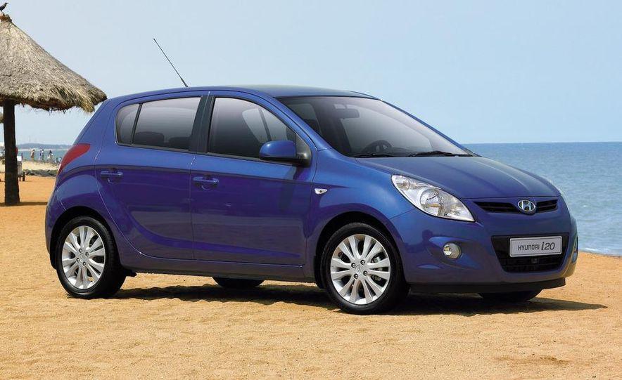 Hyundai i20 blue concept - Slide 13