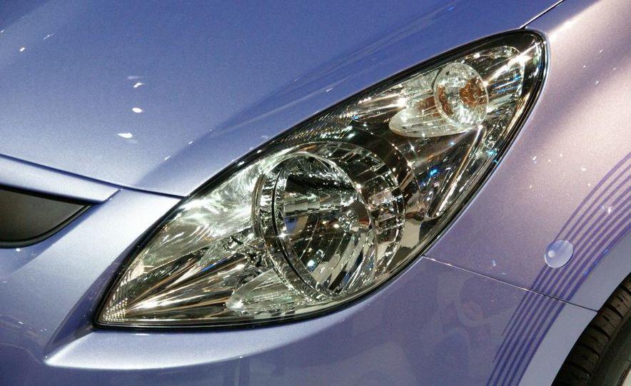 Hyundai i20 blue concept - Slide 4