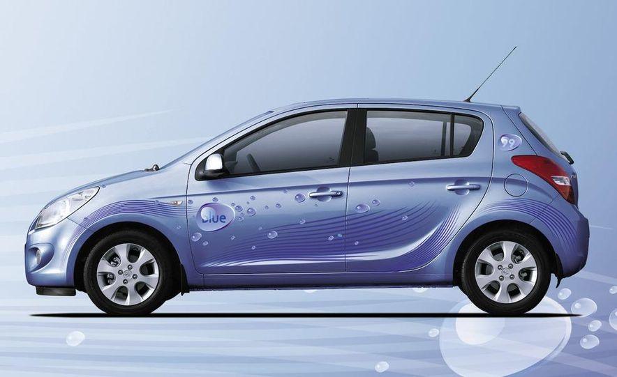 Hyundai i20 blue concept - Slide 11