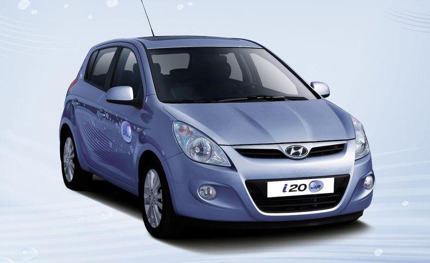Hyundai i20 blue concept - Slide 10