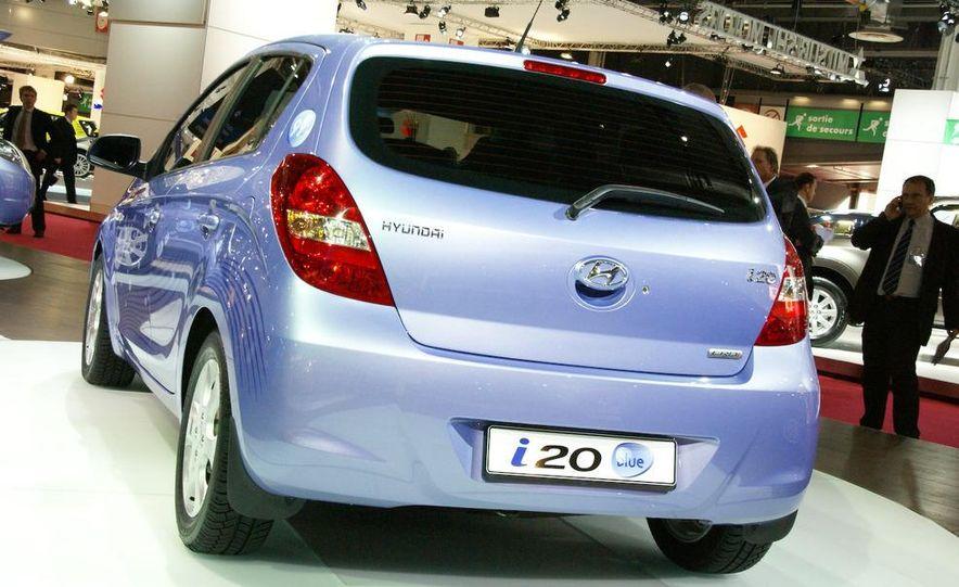 Hyundai i20 blue concept - Slide 3