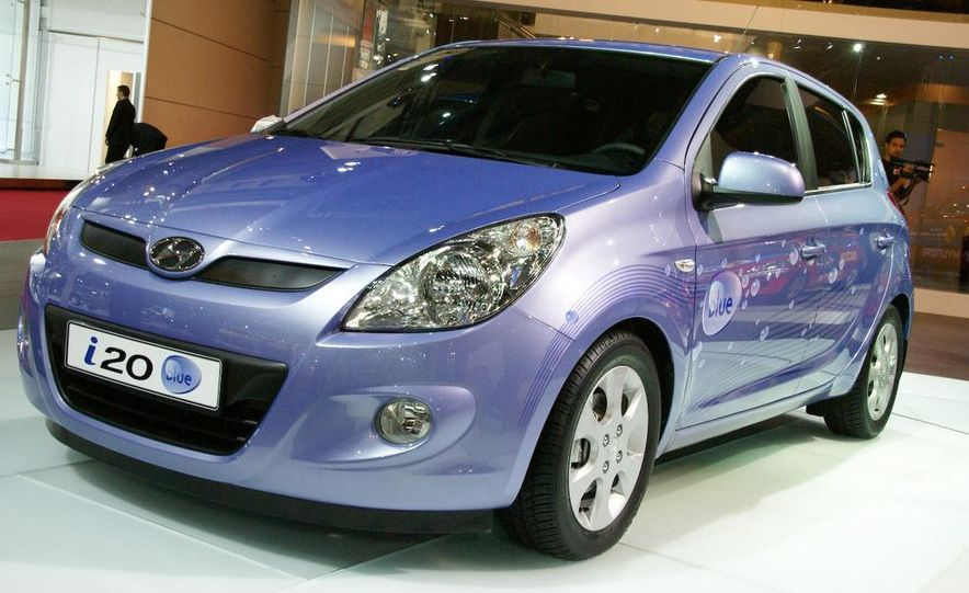 Hyundai i20 blue concept - Slide 1