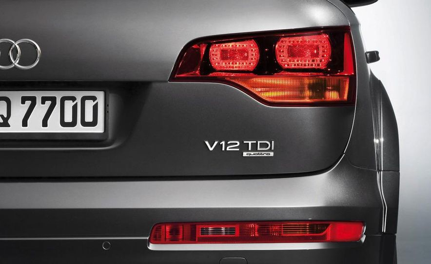 2009 Audi Q7 V12 TDI diesel - Slide 18