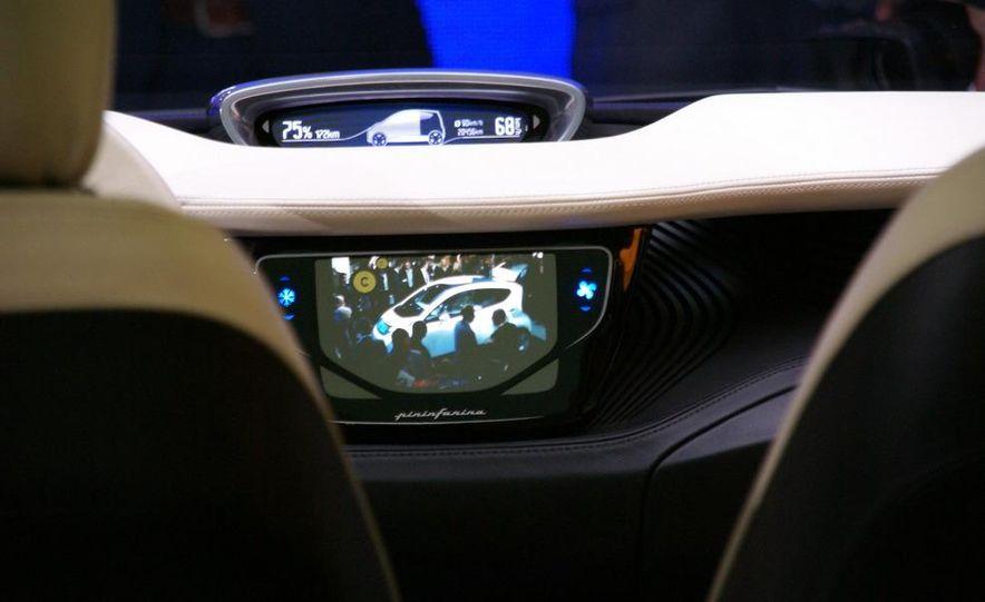 2010 Pininfarina B0 electric car - Slide 12