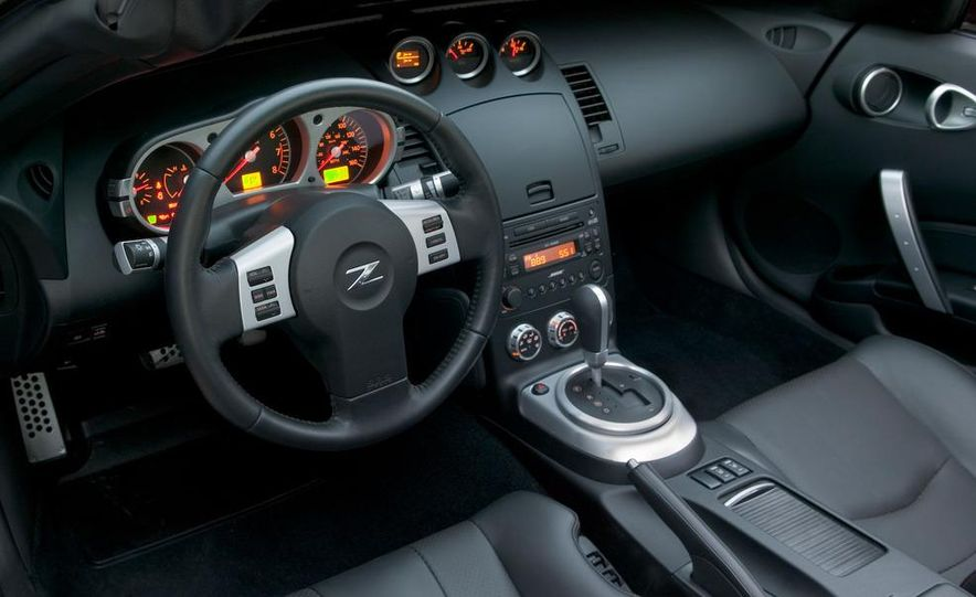 2008 Nissan 350Z interior - Slide 1