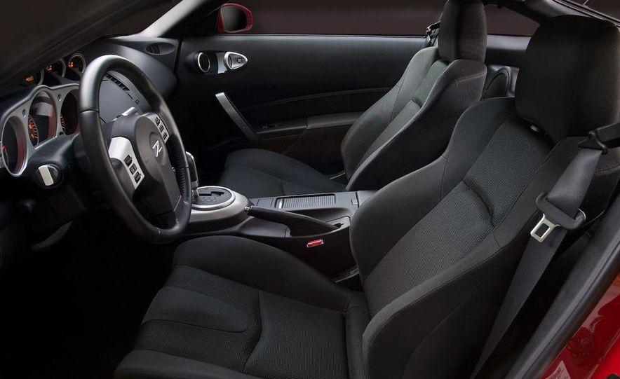 2008 Nissan 350Z interior - Slide 4