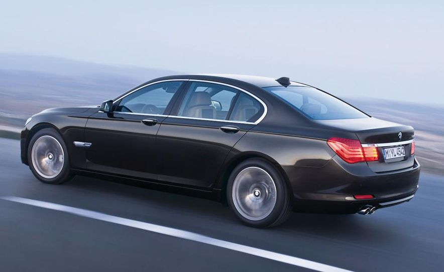 2009 BMW 7-series - Slide 9