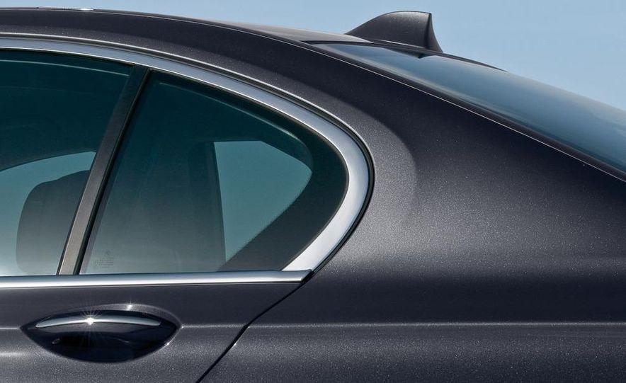 2009 BMW 7-series - Slide 10