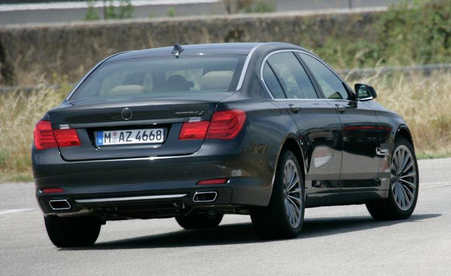 2009 BMW 7-series - Slide 12