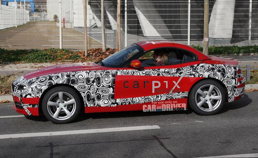 2010 BMW Z4 - Slide 3