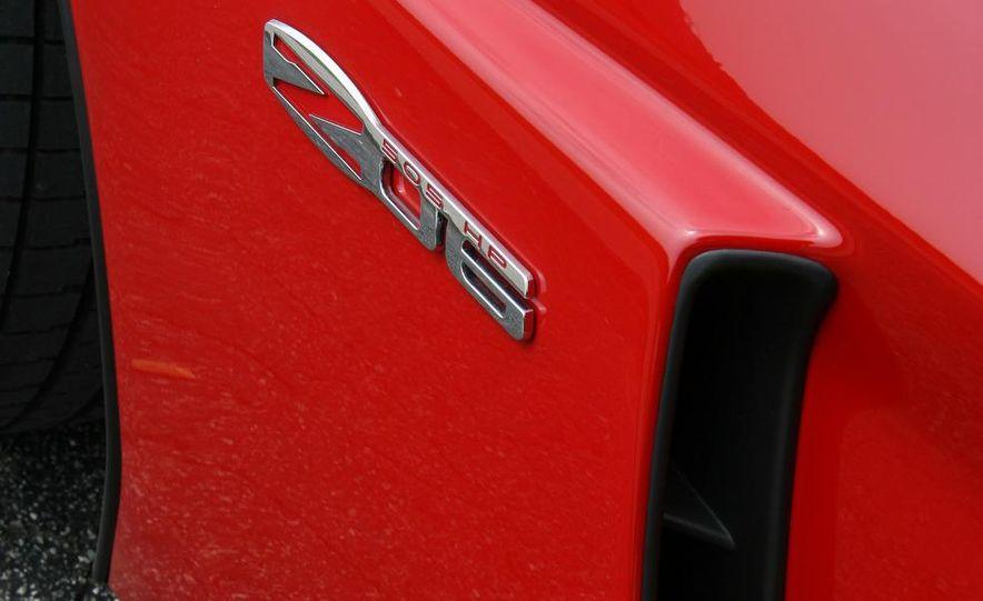 2009 Chevrolet Corvette Z06, ZR1, and Z51 - Slide 30