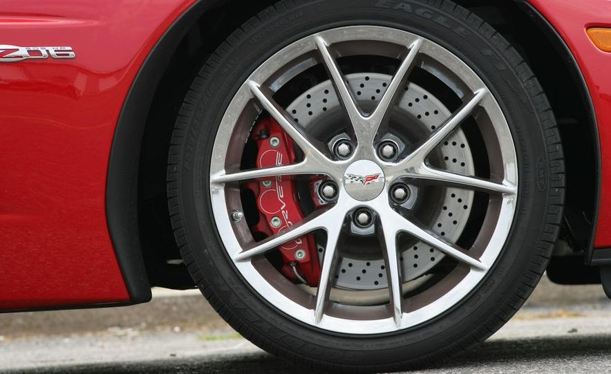 2009 Chevrolet Corvette Z06, ZR1, and Z51 - Slide 32