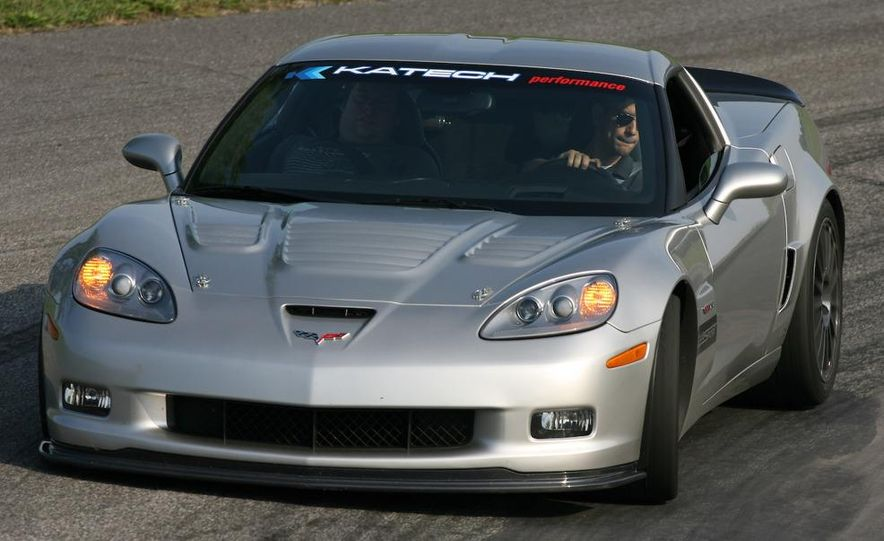 2009 Chevrolet Corvette Z06, ZR1, and Z51 - Slide 37