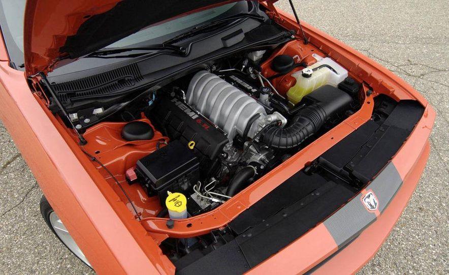 Hurst Dodge Challenger - Slide 27