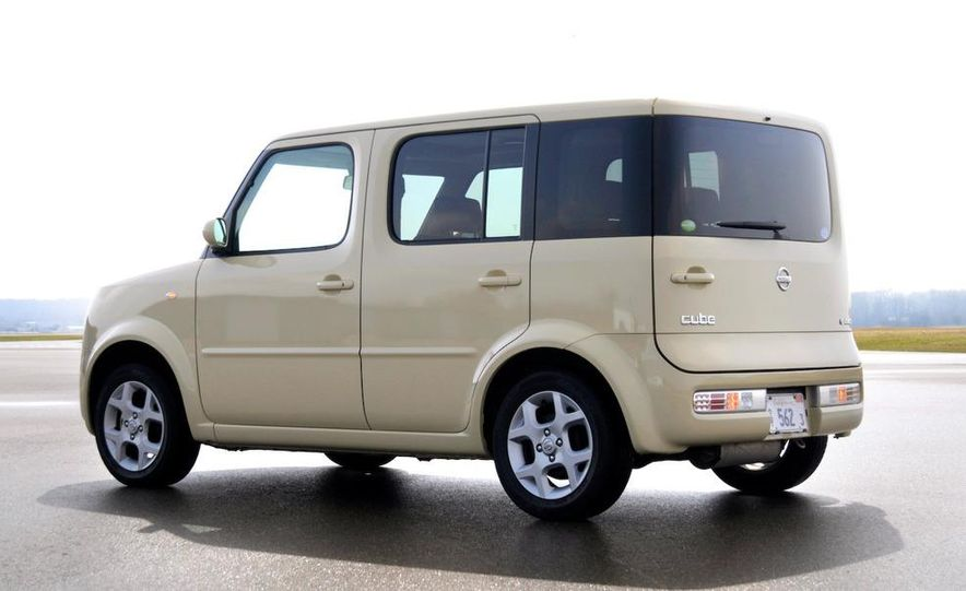 2010 Nissan EV - Slide 12