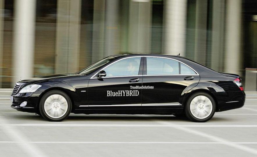 2010 Mercedes-Benz S400 BlueHybrid instrument cluster - Slide 7