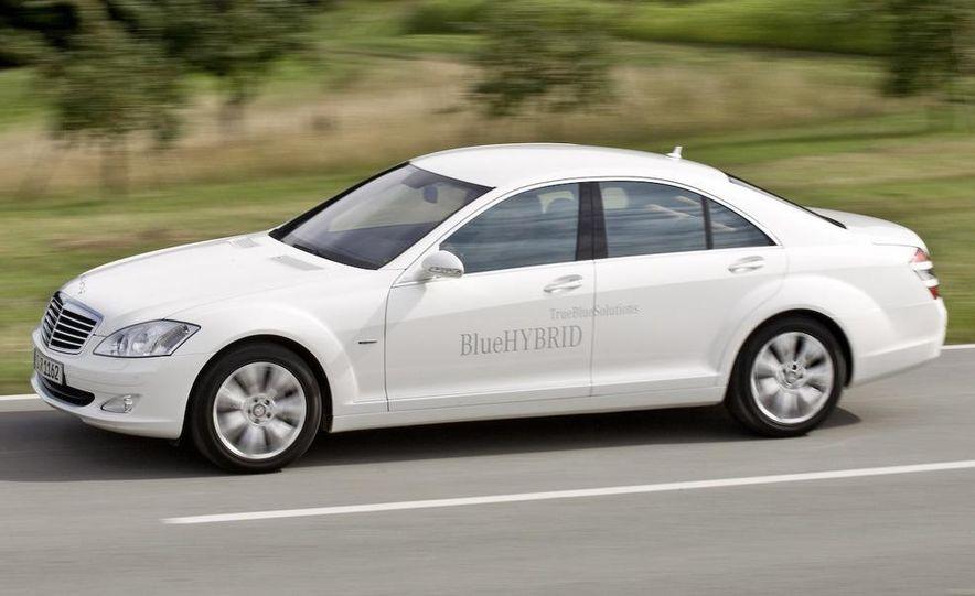 2010 Mercedes-Benz S400 BlueHybrid instrument cluster - Slide 16