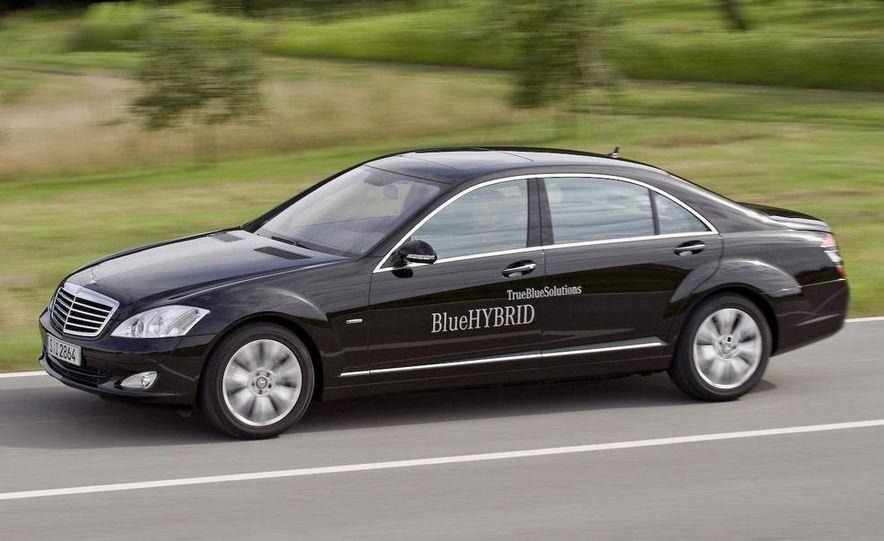 2010 Mercedes-Benz S400 BlueHybrid instrument cluster - Slide 18