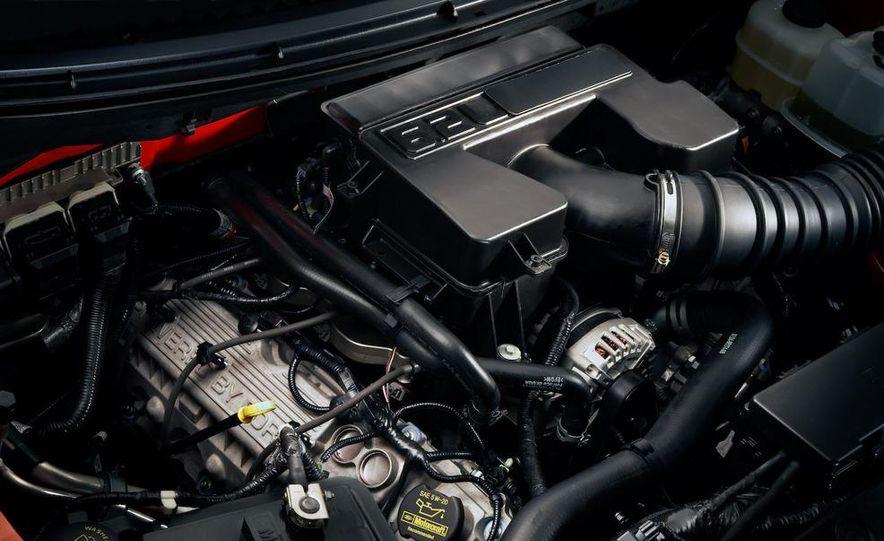 2010 Ford F-150 SVT Raptor - Slide 12
