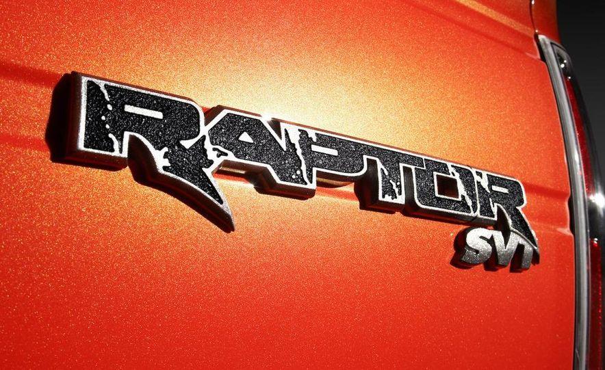 2010 Ford F-150 SVT Raptor - Slide 14