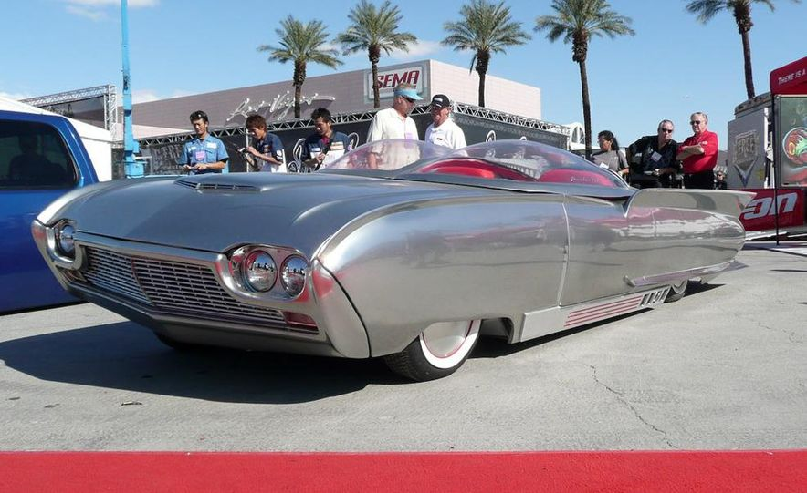 Custom Ford Thunderbird spaceship-thing - Slide 1