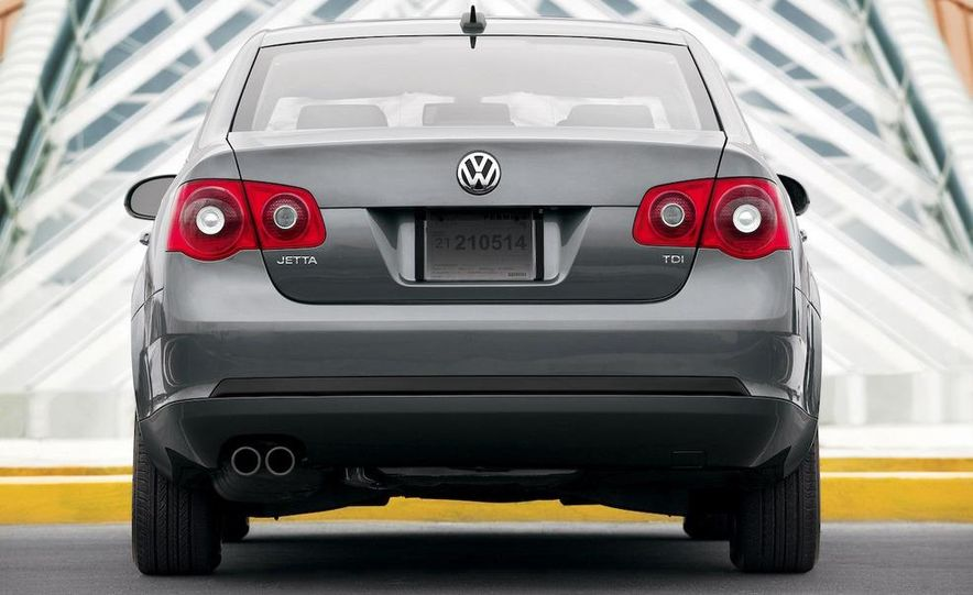 Volkswagen Jetta TDI Cup Street Edition - Slide 6