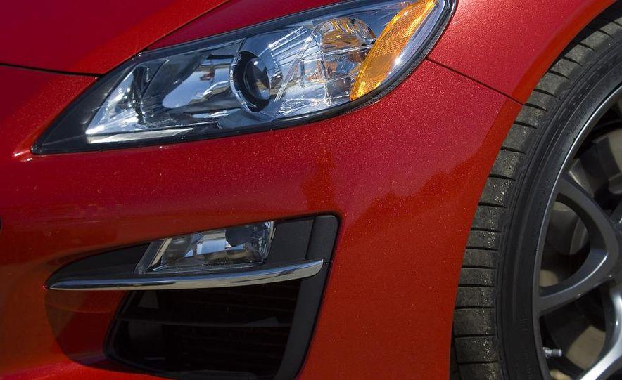 2009 Mazda RX-8 R3 headlight and fog light - Slide 1