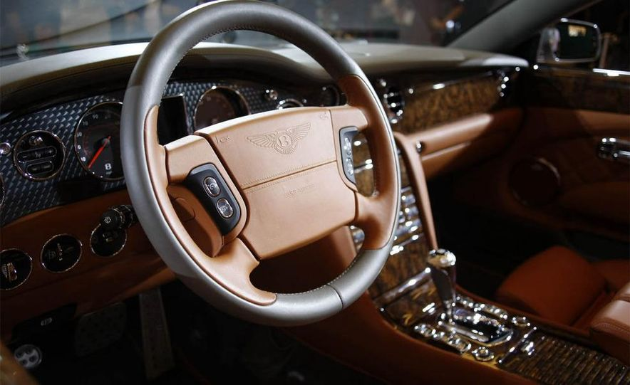 2010 Bentley Azure T - Slide 15