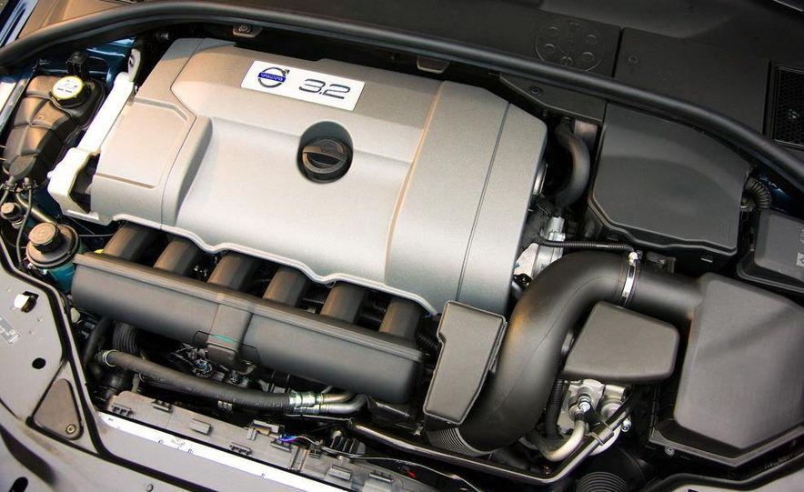 2009 Volvo XC70 T6 AWD - Slide 23