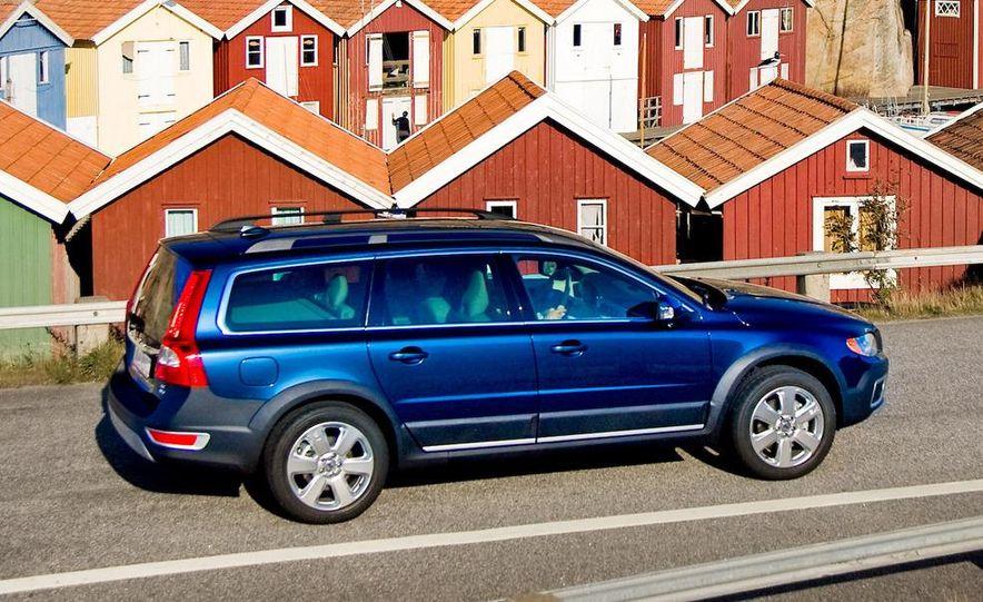 2009 Volvo XC70 T6 AWD - Slide 6