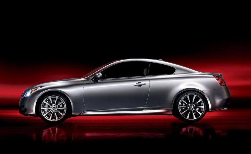2009 Infiniti G37 convertible and coupe - Slide 19