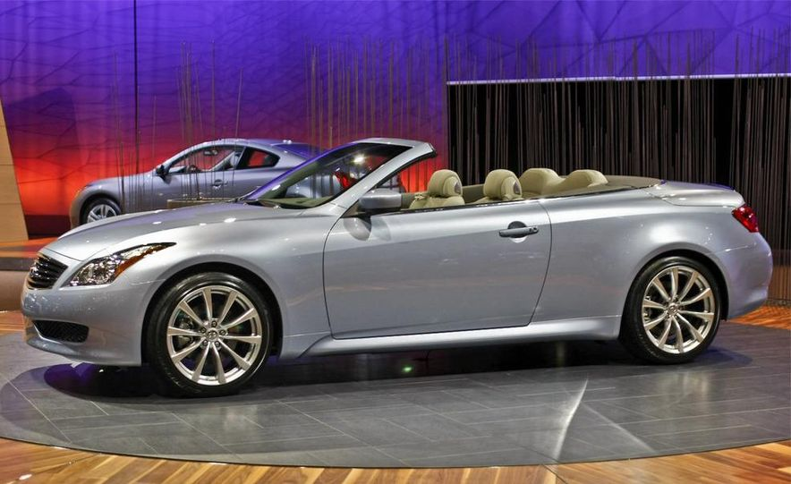 2009 Infiniti G37 convertible and coupe - Slide 1