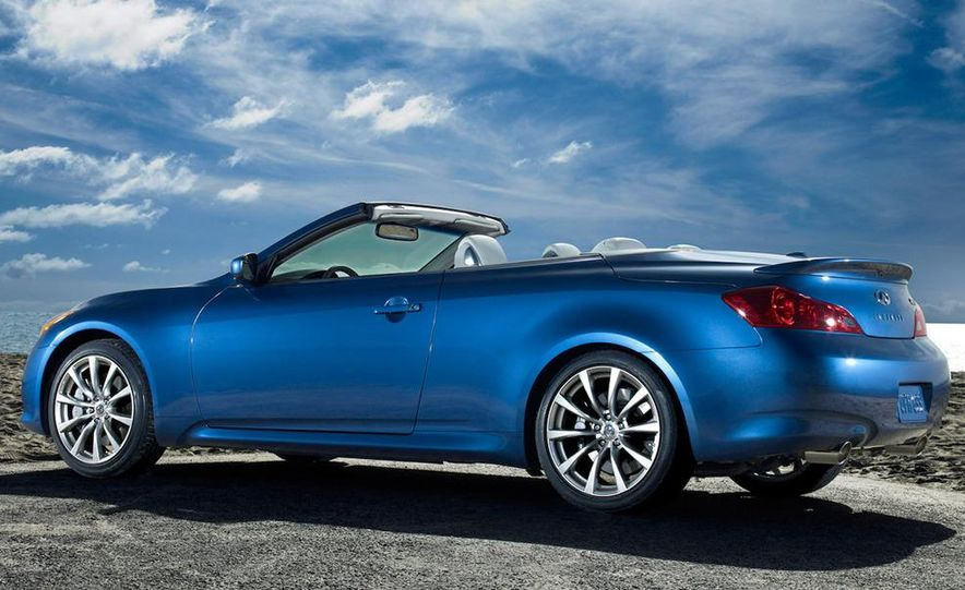 2009 Infiniti G37 convertible and coupe - Slide 10